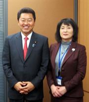 2016年12月2日,3日 学長,上口理事が5人の国会議員の事務所を訪問し,意見交換